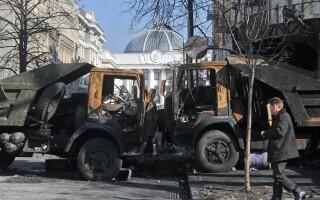 Baricada in fata Parlamentului ucrainean