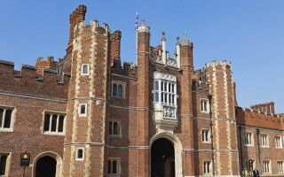 Palatul Hampton Court