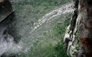 izvor apa minerala sulfuroasa