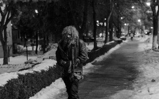 om al străzii
