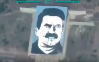 portret uriaș al liderului kurd Abdullah Ocalan
