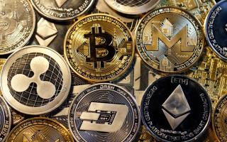 Bitcoin, Ripple, Ethernum, Dash, Monero si Litecoin