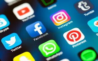 """Eurodeputații consideră că rețelele sociale au o putere prea """"vastă"""". Cer Comisiei Europene reglementări clare"""