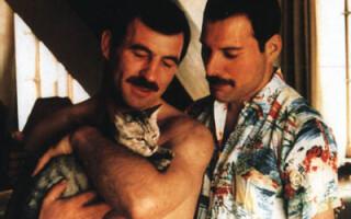Freddie Mercury si Jim Hutton