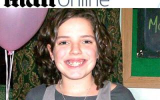 Inconstienta ucide! Si-a omorat fiica in timp ce o ajuta sa scrie un SMS!