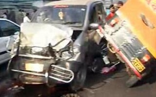 Accident autobuz India