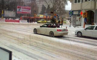 masina decapotabila iarna
