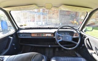 masina cu volan pe dreapta