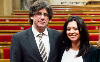 Marcela Topor, sotia sefului executivului catalan, si sotul ei Carles Puigdemont