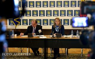 Vasile Blaga si Alina Gorghiu, copresedinti PNL, participa la sedinta a Biroului Politic National (BPN) al PNL, la Palatul Parlamentului