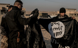 irakieni cu steagul ISIS
