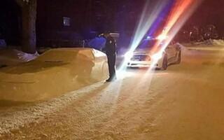 canadian, masina, zapada, politie,