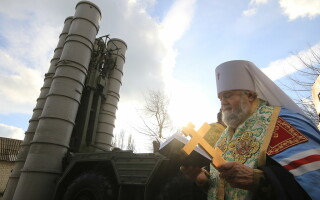 sfintire sistem de rachete S-400 in Feodosia