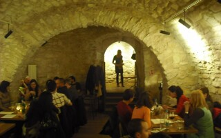 restaurant, cluj, off the wall,