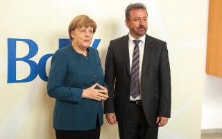 Bernd Fabritius, Angela Merkel