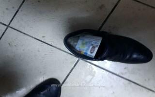 acte ascunse in pantofi