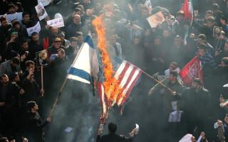 """""""Moarte Americii"""". Iranienii au ieșit în stradă pentru a plânge uciderea lui Soleimani"""