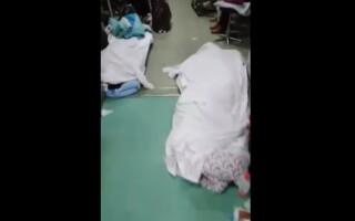 Cadavre pe holul unui spital din China