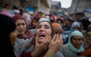 Cel puţin 18 oameni au murit la o înmormântare în India. Cum a fost posibil