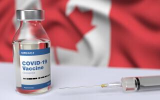 Cuplul de milionari din Canada care au călătorit sute de kilometri ca să se vaccineze fraudulos. Cum s-au dat de gol