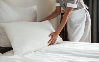 (P) 5 recomandări pentru o curățare profesională a unei camere de hotel