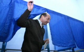 Traian Basescu voteaza