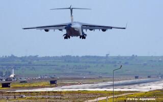 Avion militar - AGERPRES