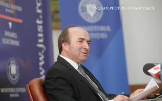 Tudorel Toader, ministrul Justiției, susține o conferință de presă la sediul ministerului,