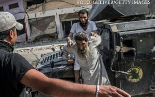 jihadist prins de fortele speciale iakiene in timpul batalie pentru mosul