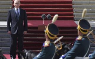 Vladimir Putin la parada la Kremnlin