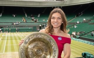 """Simona Halep, noi imagini cu trofeul primit la Wimbledon. """"Cu noul meu prieten"""" - 2"""