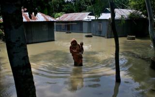 inundatii in India