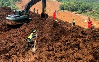 Nou bilanț al alunecărilor de teren din China. Sunt 29 morți și 22 dispăruți - 3