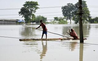 inundatii india assam
