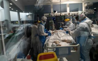 Medic chirurg, în stare gravă la Terapie Intensivă după ce a încercat să se trateze acasă de Covid-19