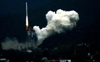 Rusia și China vor să construiască împreună o bază pe Lună