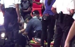 polițist înjunghiat Hong Kong