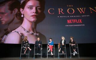 Premiile Emmy. Serialele ''The Crown'' şi ''The Mandalorian'' conduc în topul nominalizărilor