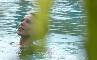 Iulia Vantur, Facebook, in piscina