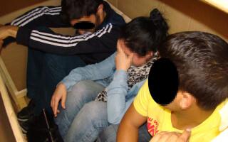 emigrani ascunsi in cutie prinsi la Nadlac
