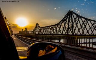 masina pe podul de la Cernavoda
