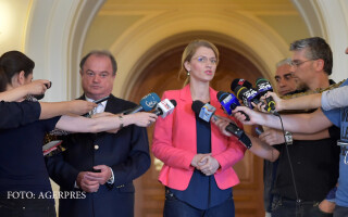 Vasile Blaga si Alina Gorghiu, co-presedinti PNL, sustin o declaratie de presa la finalul sedintei Biroului Permanent al PNL