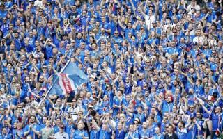 suporteri islanda - agerpres
