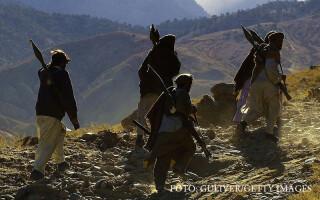 luptatori ai Aliantei Nordice in Tora Bora