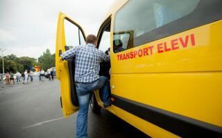 transport elevi