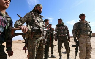 soldaţi SDF
