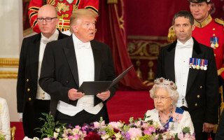 Imagini spectaculoase de la dineul oferit de Regină în cinstea lui Trump - 13
