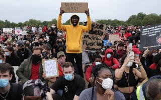 proteste londra pentru persoane de culoare