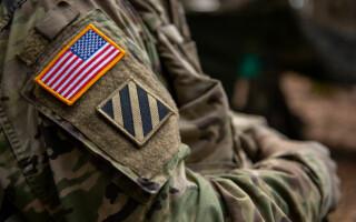 Soldat american, acuzat de terorism. Plănuia să-și atace propria unitate, alături de o grupare neo-nazistă