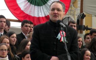 Primarul din Miercurea Ciuc, obligat să treacă numele străzilor mai întâi în limba română, apoi în maghiară